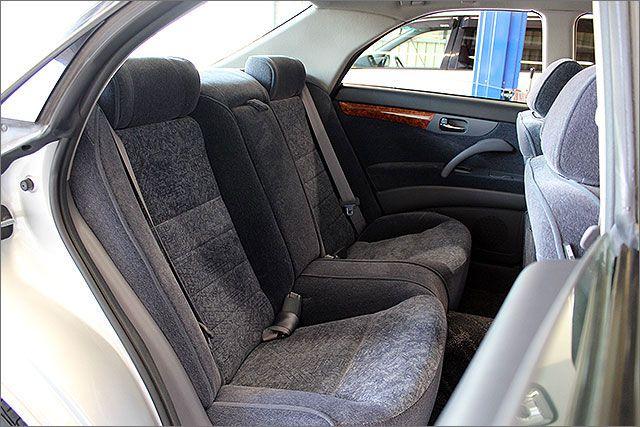 後部座席はほとんど使用されていなかったようです