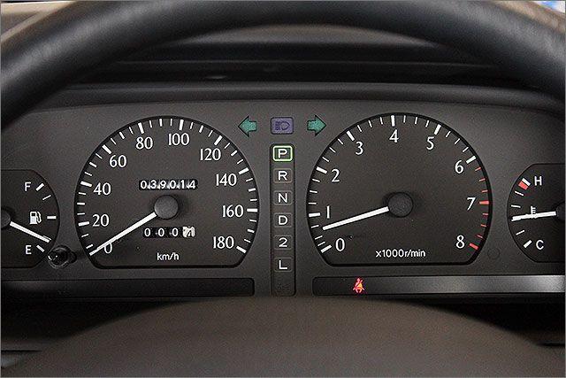 当店では、走行距離管理システムを導入しています、あんしんの実走行です。 ご来店くだされば、現在お乗りのお車の走行距離のチェックも可能です。 料金は1台=950円です。