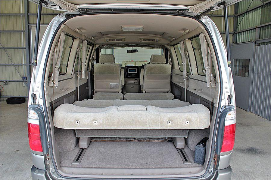 車内泊も余裕あるスペースです。