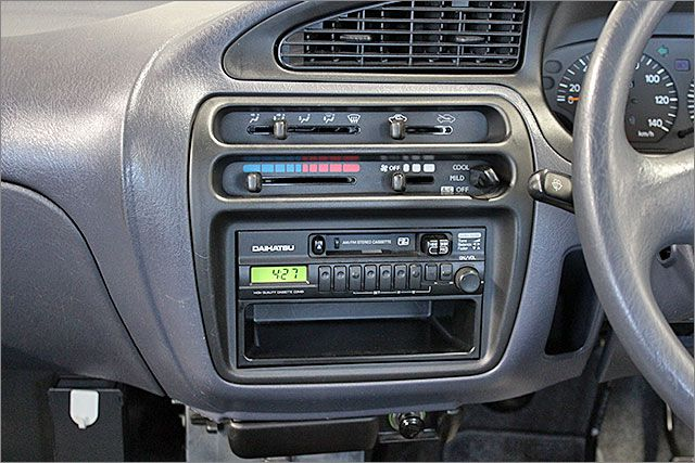エアコンOKです。カセット、ラジオがご使用できます。