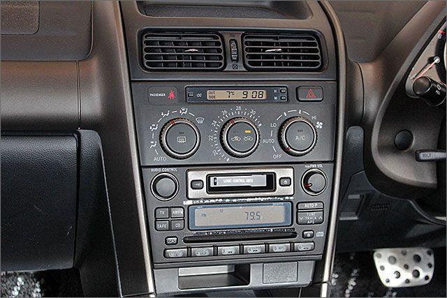 CD、カセット、ラジオがしようできます。