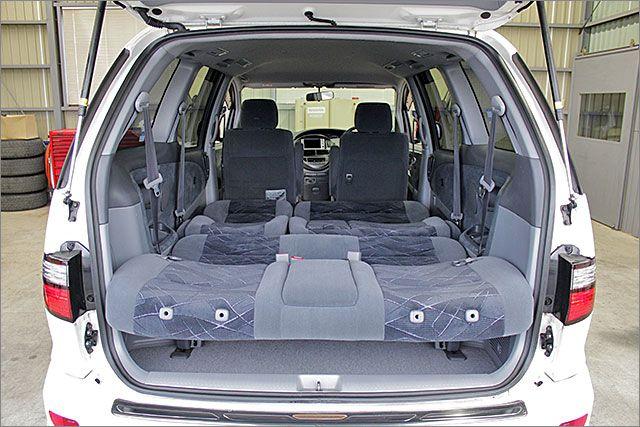 車内泊も余裕でできるスペースです。