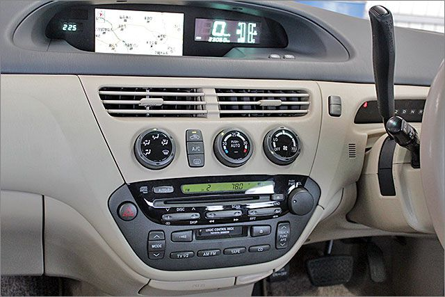 CD、カセット、ラジオが使用できます。