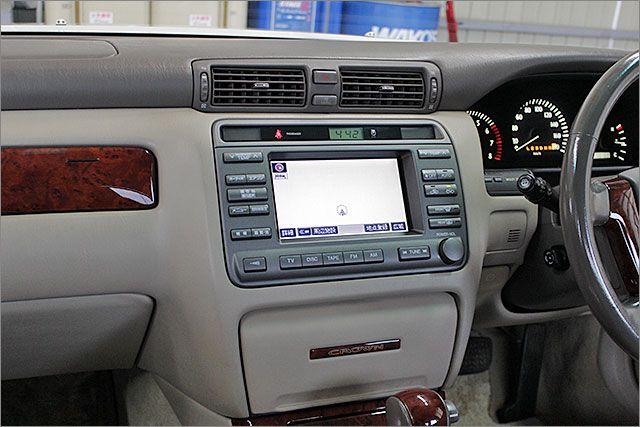 CD、カセット、ラジオが使用できます。エアコンもOKです。