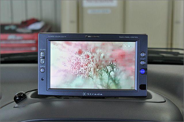 DVDナビ、ワンセグ、CDが使用できます。