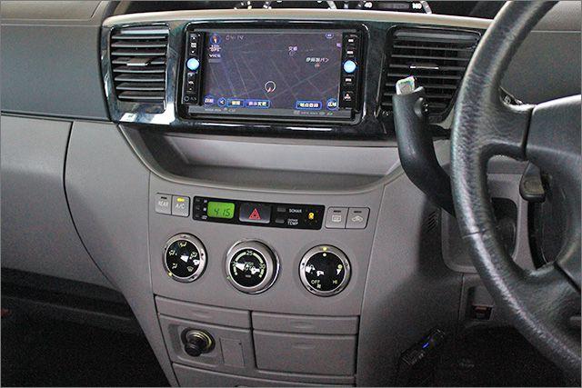 エアコンOK、よく冷えてます。 ココがポイント!リヤにもヒーターとエアコンが装備されています。