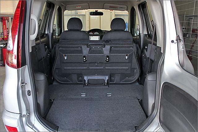 荷台スペースは広々で、大きな荷物の積み下ろしも簡単に出来ます。