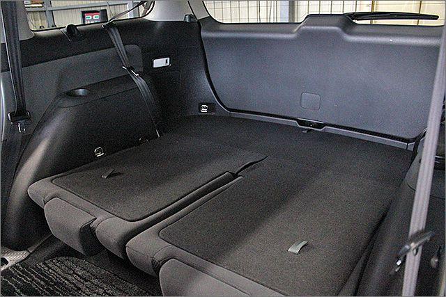 サードシートは収納することもできます。