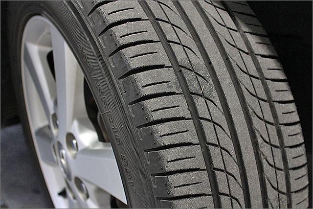 各タイヤの残り溝です。