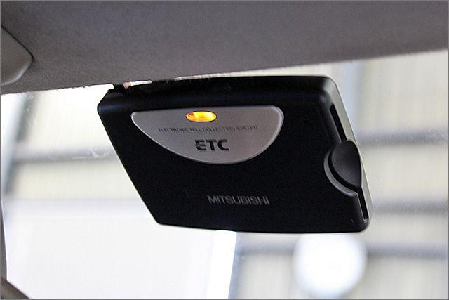 ETC付きですから高速道路も楽々ですよ☆しかも休日の割引も適用されますから経済的にも安心な装備ですよ