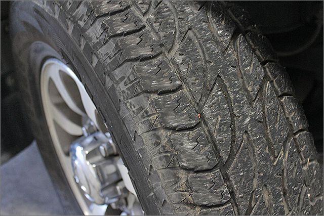 タイヤ溝とは「目に見える任意保険」です!!