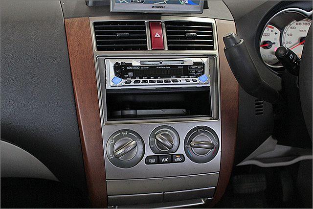 エアコンOK、よく冷えてます。 MDとラジオが使用できます。