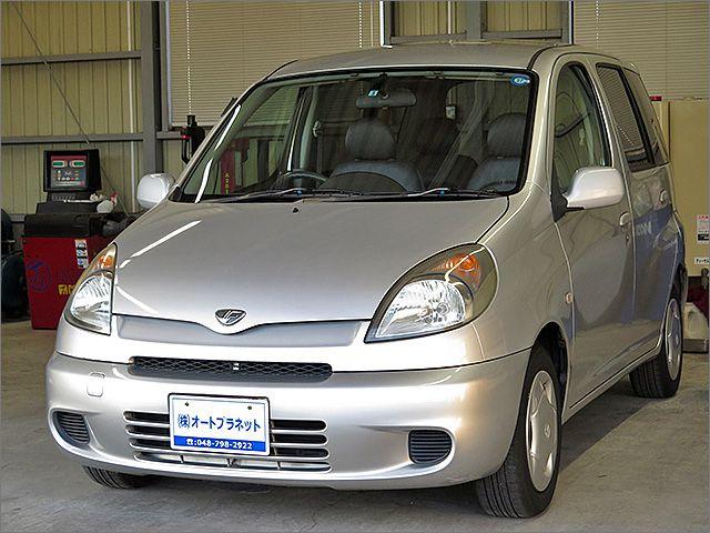 程度良好・車検整備付のファンカーゴです。装備はDVDナビ、CD、MD、ETC、キーレス付きになります。