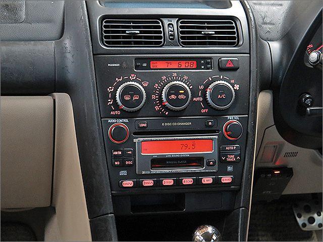 MD、ラジオが使用できます。CDプレイヤーは読込できないため使用できません。