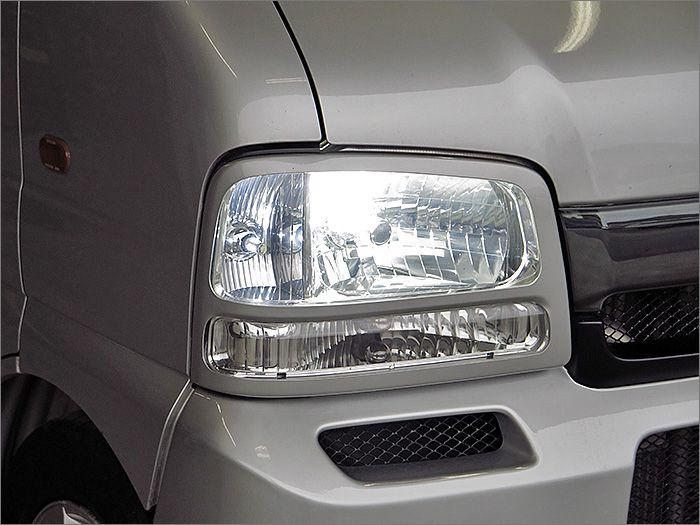 HIDライト。明るく視認性に優れるライトです。