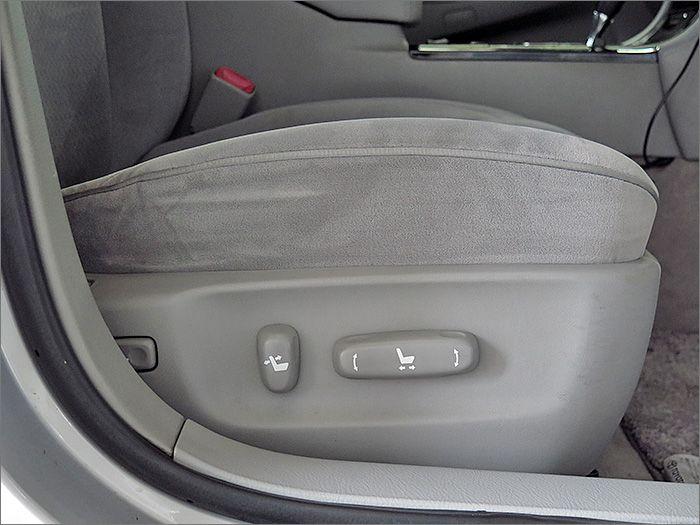 運転席、助手席パワーシートです。
