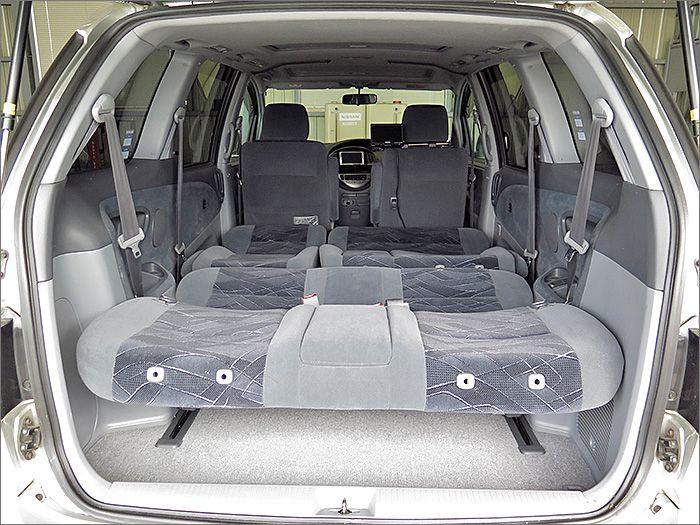 車内泊もできるスペースができました。