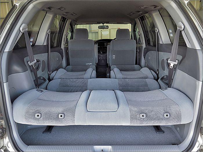 フルフラットにもなりますので車内泊もできます。