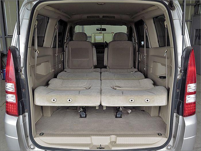車内泊も可能な広さがございます。