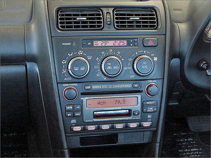 エアコンOK、よく冷えてます。CDプレイヤは動作不良のため使用できませんが、MDとラジオは使用できます。