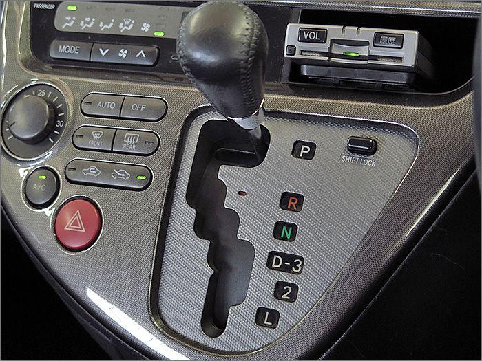 運転ラクラク、オートマチック車です。