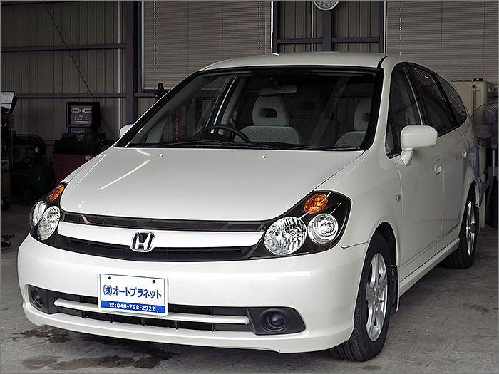 車両状態良好のストリームです。装備はHDDナビ、CD、MD、ETC、キーレス、アルミ、HIDライト付き。