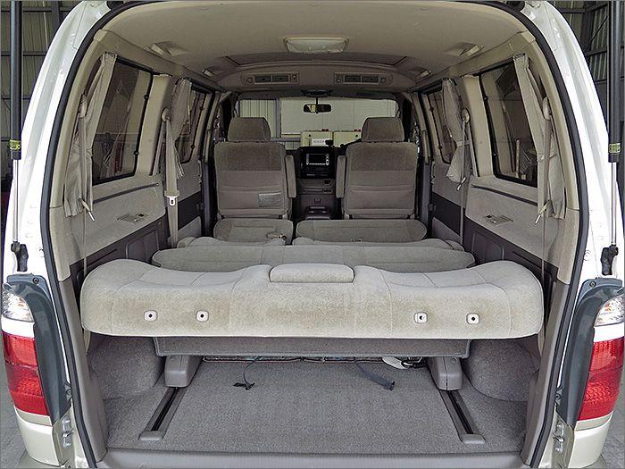 フルフラットにも出来ますので車内泊も楽しめます。