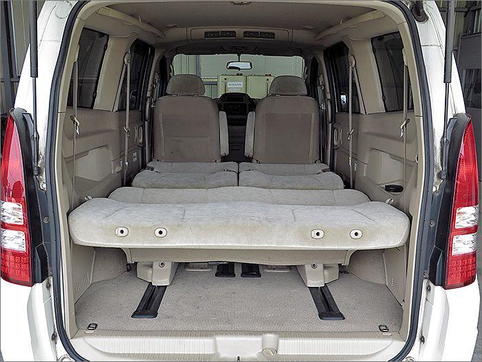 フルフラットにもなりますので車内泊も楽しめます。