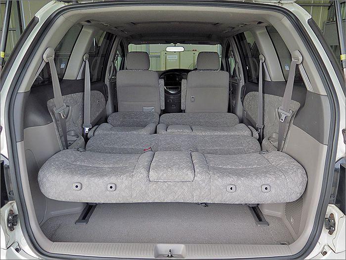 フルフラットにもできます、車内泊も楽しめます。