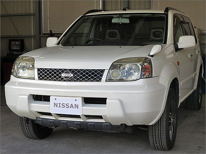 車両状態良好のエクストレイル4WDです。装備はHDDナビ、DVD再生可、CD、ETC、キーレス、アルミ付き。