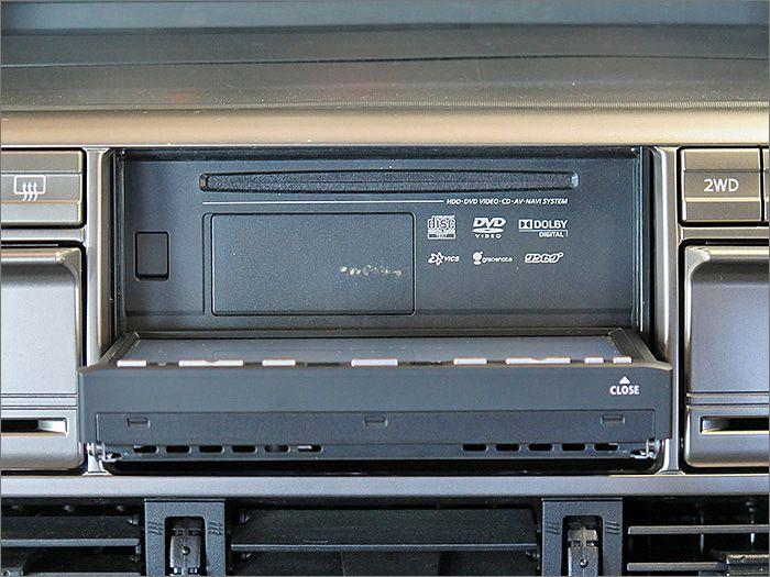 DVD、CD、ラジオが使用できます。