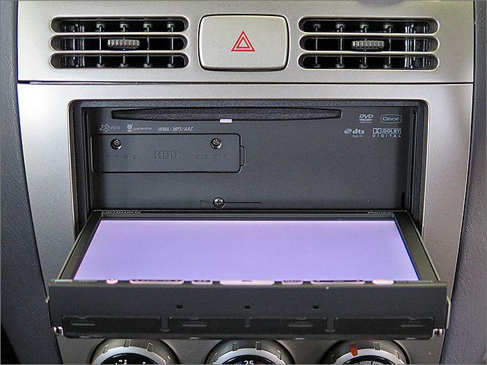 CD、DVD再生、ラジオが使用できます。