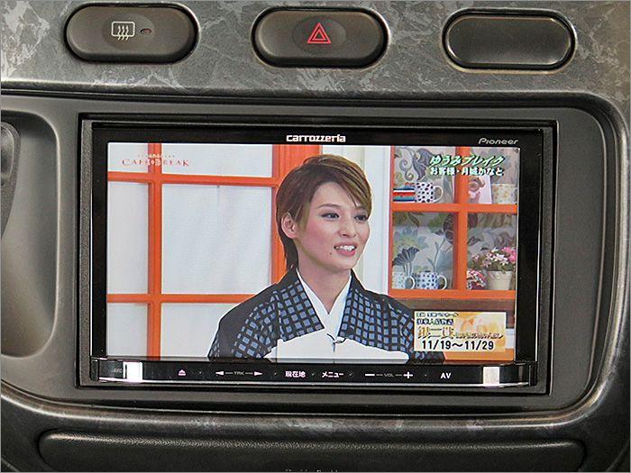 フルセグTVです。DVDも再生可能です。