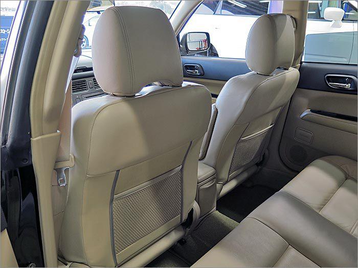 シート裏もきれいです。丁寧に使用されてきたお車です。