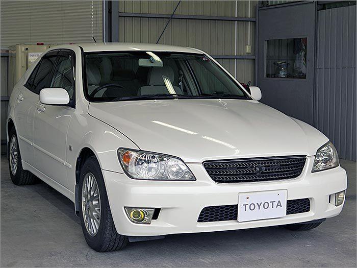 販売しているお車は整備士の私、自ら厳選して仕入れたものですので安心してご購入下さい。。