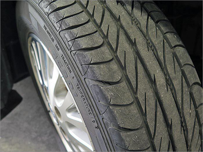 こちらのタイヤは日本メーカーになりますので安全面に関しても優れてますよ!
