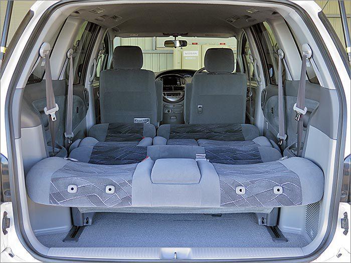 フルフラットなり、車内泊も楽しめます!