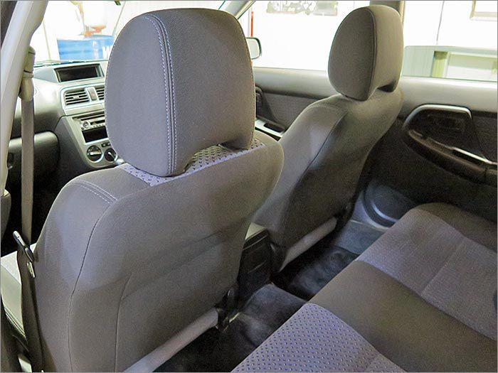意外と目立つシート裏もキレイな状態を保っています。