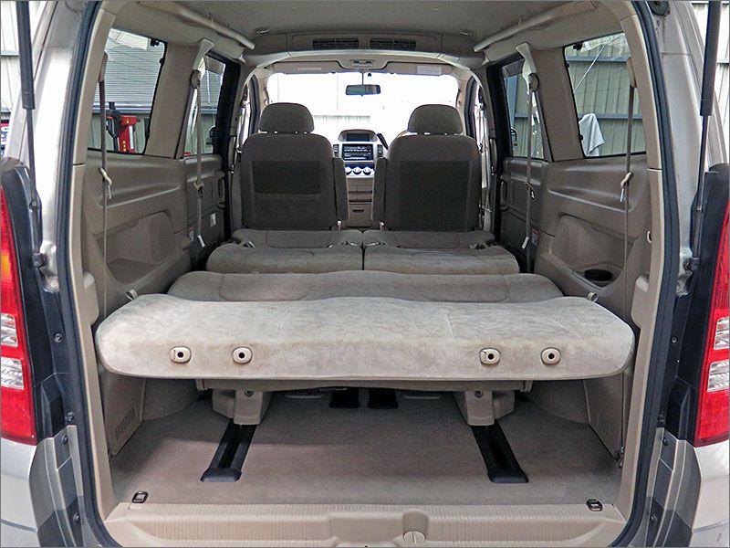 ご覧のようにフルhラットにもできます、車内泊も楽しむことが出来ます。