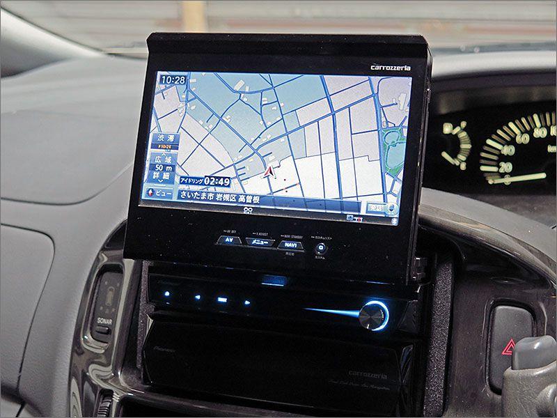 HDDナビ付き、始めての行き先でも安心です。DVD再生、CD、ラジオが使用できます。