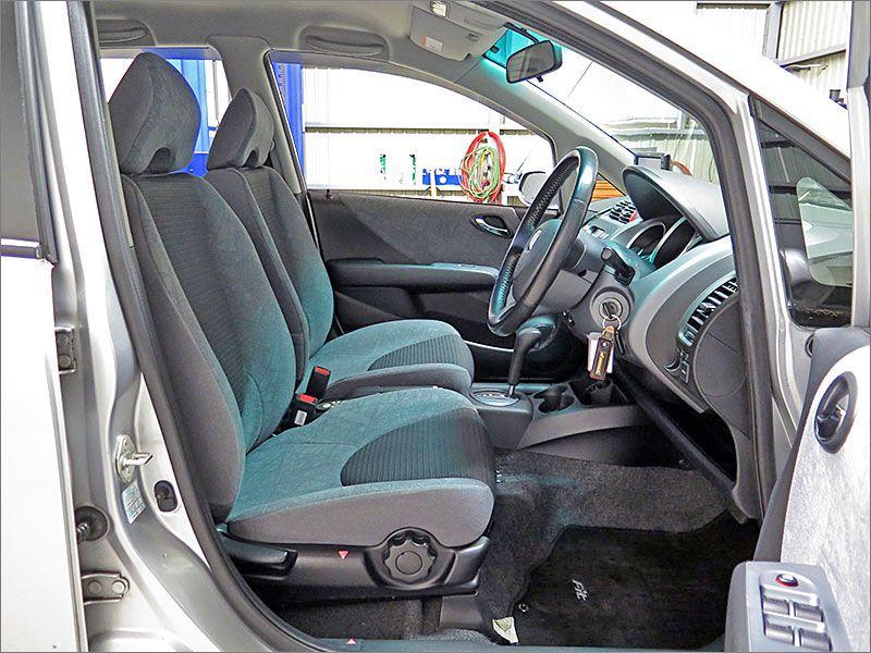 ここからは車内をご覧ください。