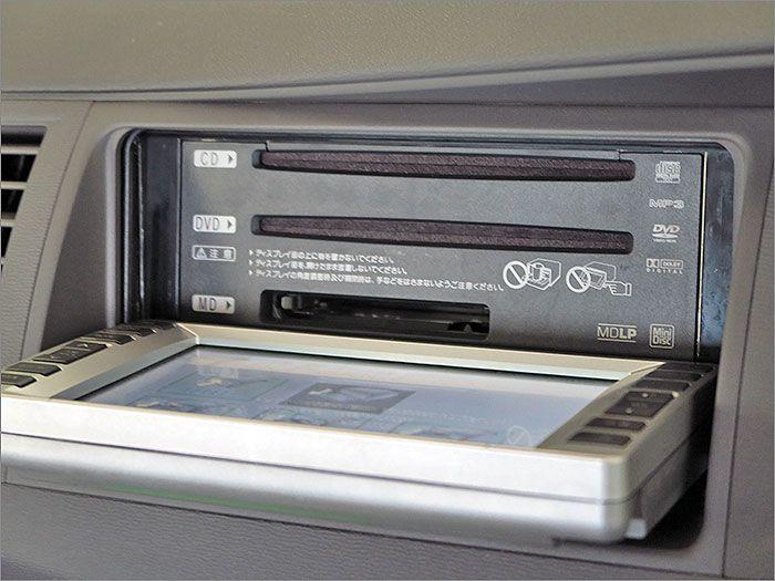 CD、DVDビデオ、ラジオが使用できます。