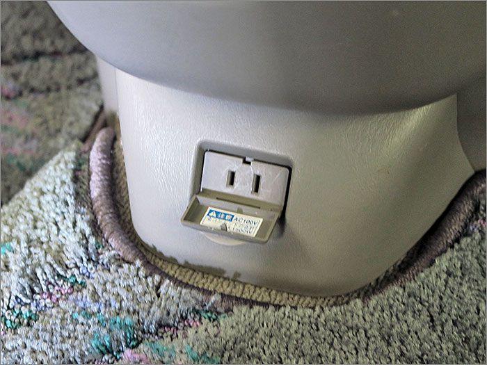 100Vコンセント。1500WEまで使用できます。