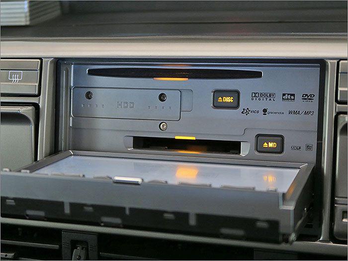 DVD再生、CD、MD、ラジオが使用できます。