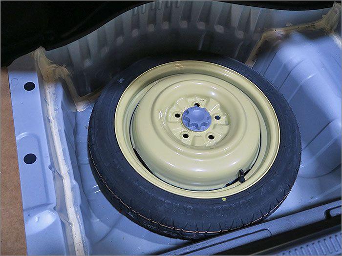 スペアタイヤの空気圧もチェック済みです。