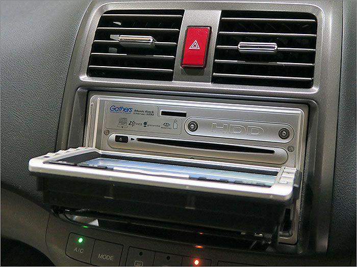 オーディオはCD、ラジオが使用できます。