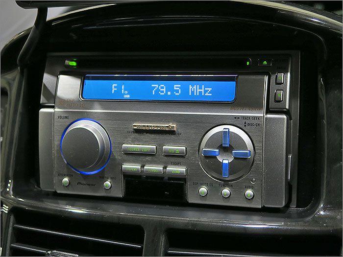 オーディオはCD、ラジオが使用できます。MDは使用できません。
