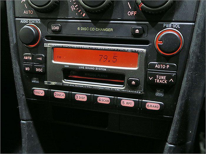 オーディオはMD、ラジオが使用できます。CDは使用できません。